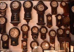 壁一面の時計