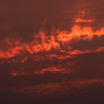 燃えあがる雲(写真)